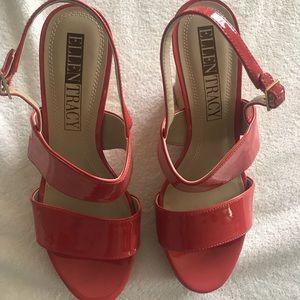 Ellen Tracy patent leather shoe